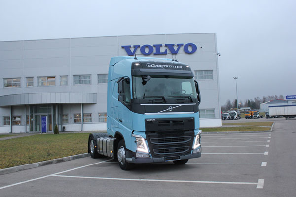Автопарк компании «Эквант» пополнился седельным тягачом Volvo FH 4x2 с пакетом Active Safety
