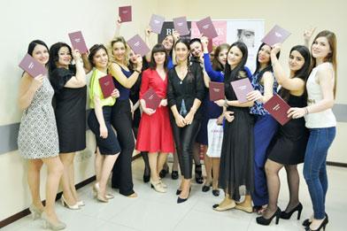 Студенты дневной группы института прикладной эстетики «Лаки Хаус» получили дипломы