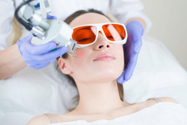 Эффективность фракционного фототермолиза в борьбе с возрастными изменениями кожи