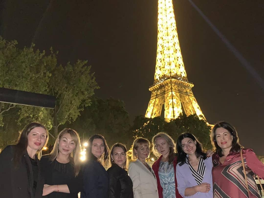 14 лучших косметологов Guinot Россия побывали Париже